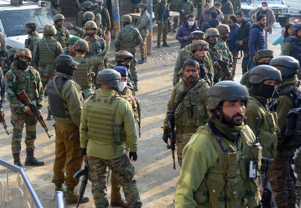 Army recovers body, soldier's kin await DNA results