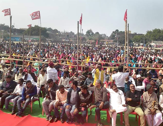 Crowds at a meeting in Aurangabad, Bihar