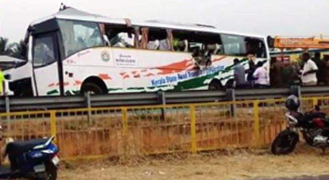 19 die in bus-truck collision in Tamil Nadu