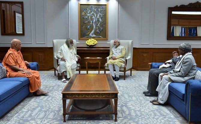 Ram Mandir Trust members invite PM to bhoomi pujan