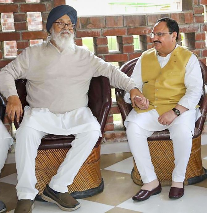 Nadda meets Badal, invites him to son's wedding