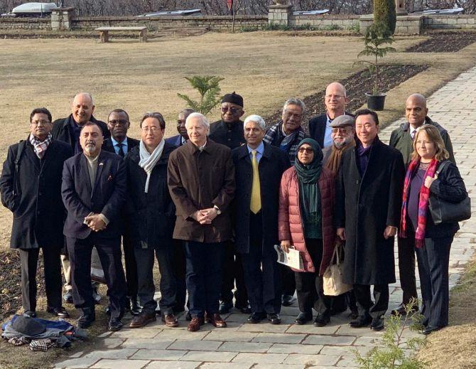 Foreign diplomats visit Kashmir