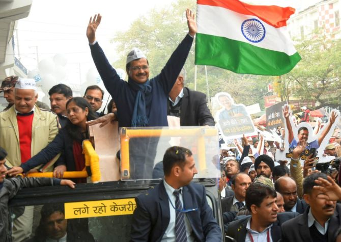 Kejriwal carries out big roadshow ahead of nominations