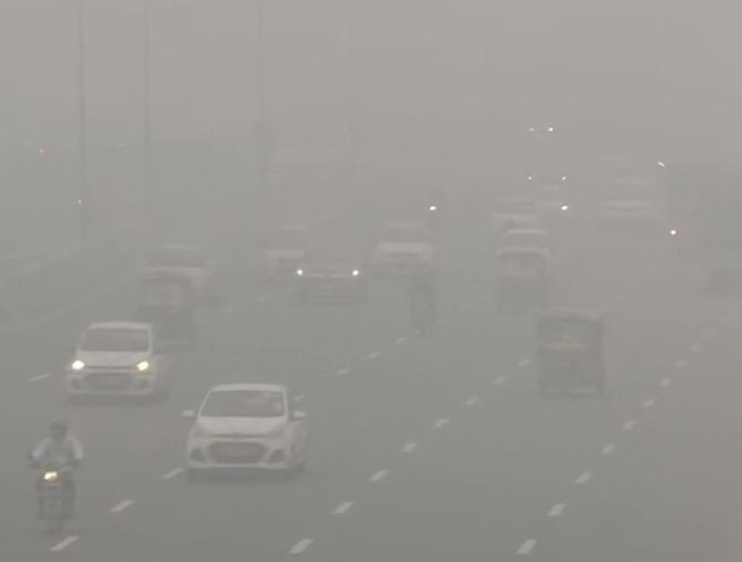 Air, rail traffic affected as dense fog engulfs Delhi