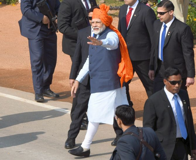 Modi sports signature 'safa' on Republic Day