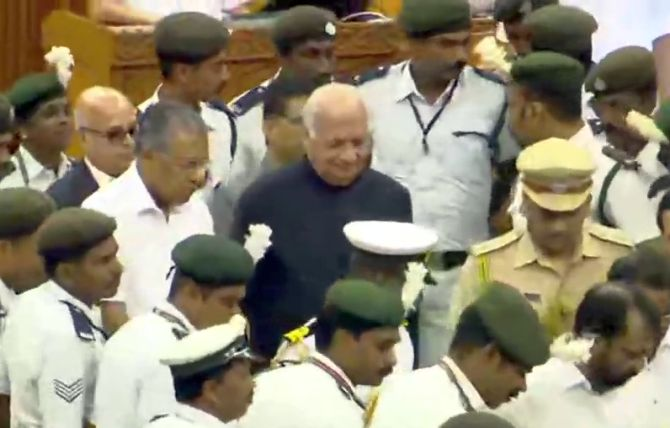 Drama inside Kerala assembly, UDF MLAs block Guv