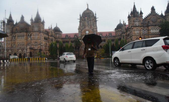 BJP MLA, Mumbai mayor spar over cyclone preparedness