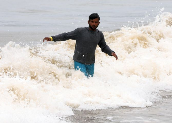 Cyclone Nisarga to make landfall at Alibaug at 1 pm