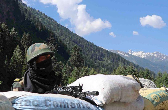 China 'bigger threat to India' than Pakistan: Pawar