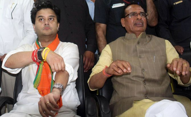 Scindia loyalists among 28 ministers sworn-in in MP