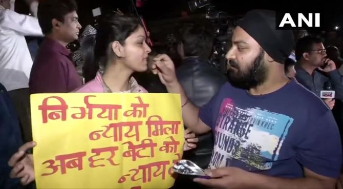 'Long live Nirbhaya' chants ring outside Tihar Jail