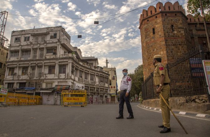 Maharashtra to review lockdown situation on May 29