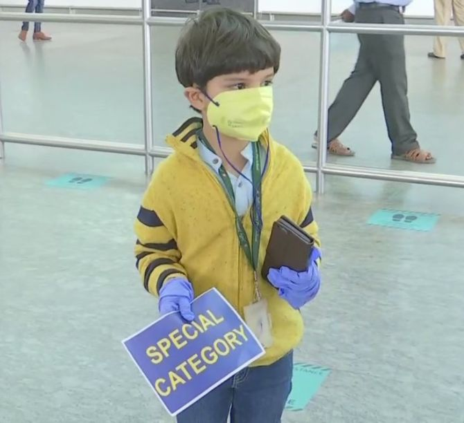 5-yr-old flies home to parents after 3 months