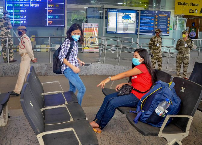 Cancellations mar first day of flights resumption