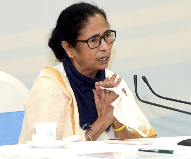 Mamata hits out at Centre over migrant trains to WB