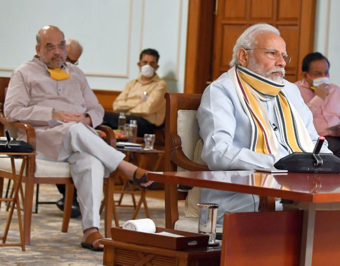 Modi, Shah meet over lockdown plan amid rising cases