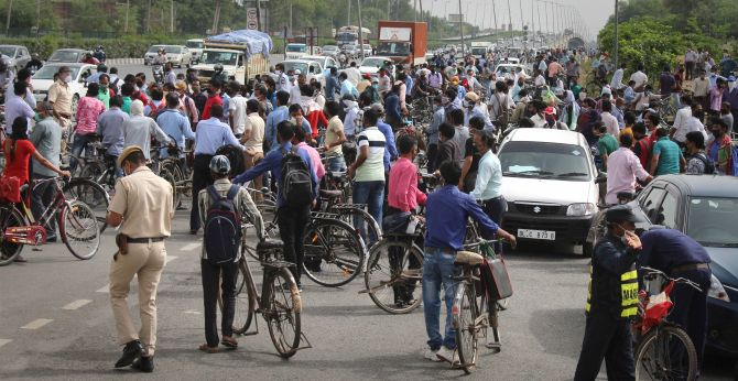 Chaos and jams at Delhi borders