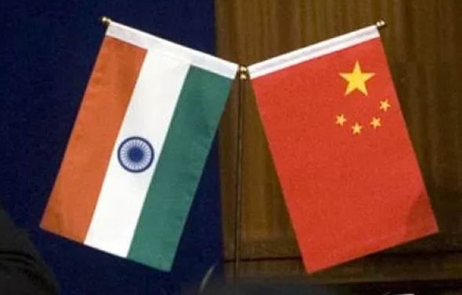 Chinese, Indian diplomats hold talks to end standoff