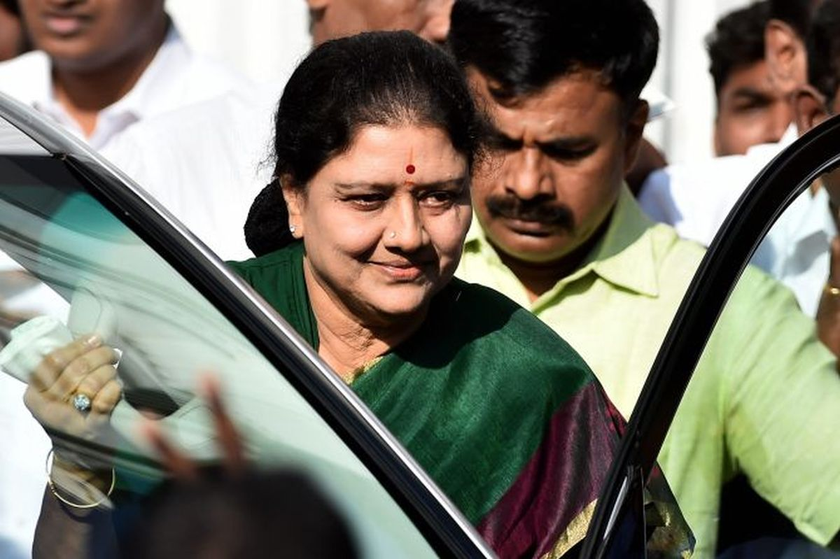 VK Sasikala pays Rs 10 cr fine, release expected