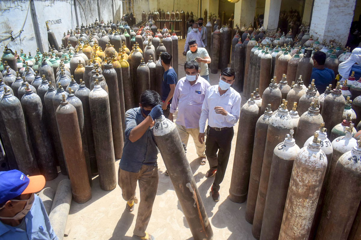SC stays HC order on contempt over oxygen supply