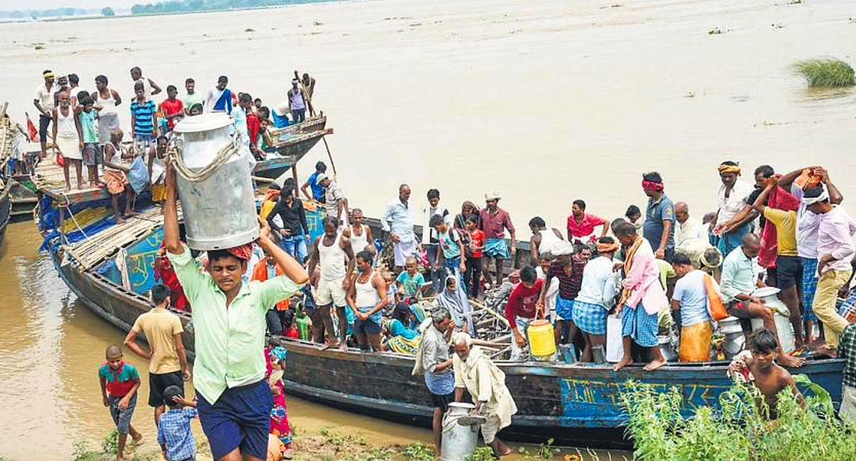 2.7 Million Bihar Flood Victims Struggle for Survival