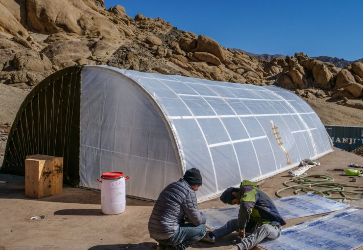Sonam Wangchuk develops solar heated tent for soldiers