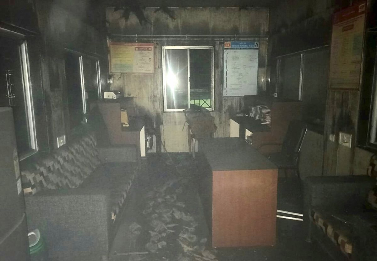 10 newborns die in Maha hospital fire, CM orders probe - Rediff.com India News