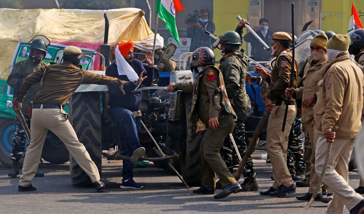 SC rejects pleas seeking probe into R Day violence