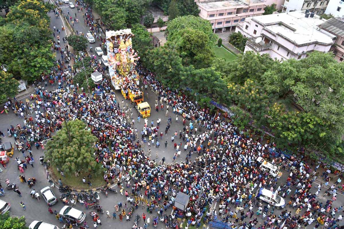 PHOTOS : India bid farewell to the Lord of Wisdom