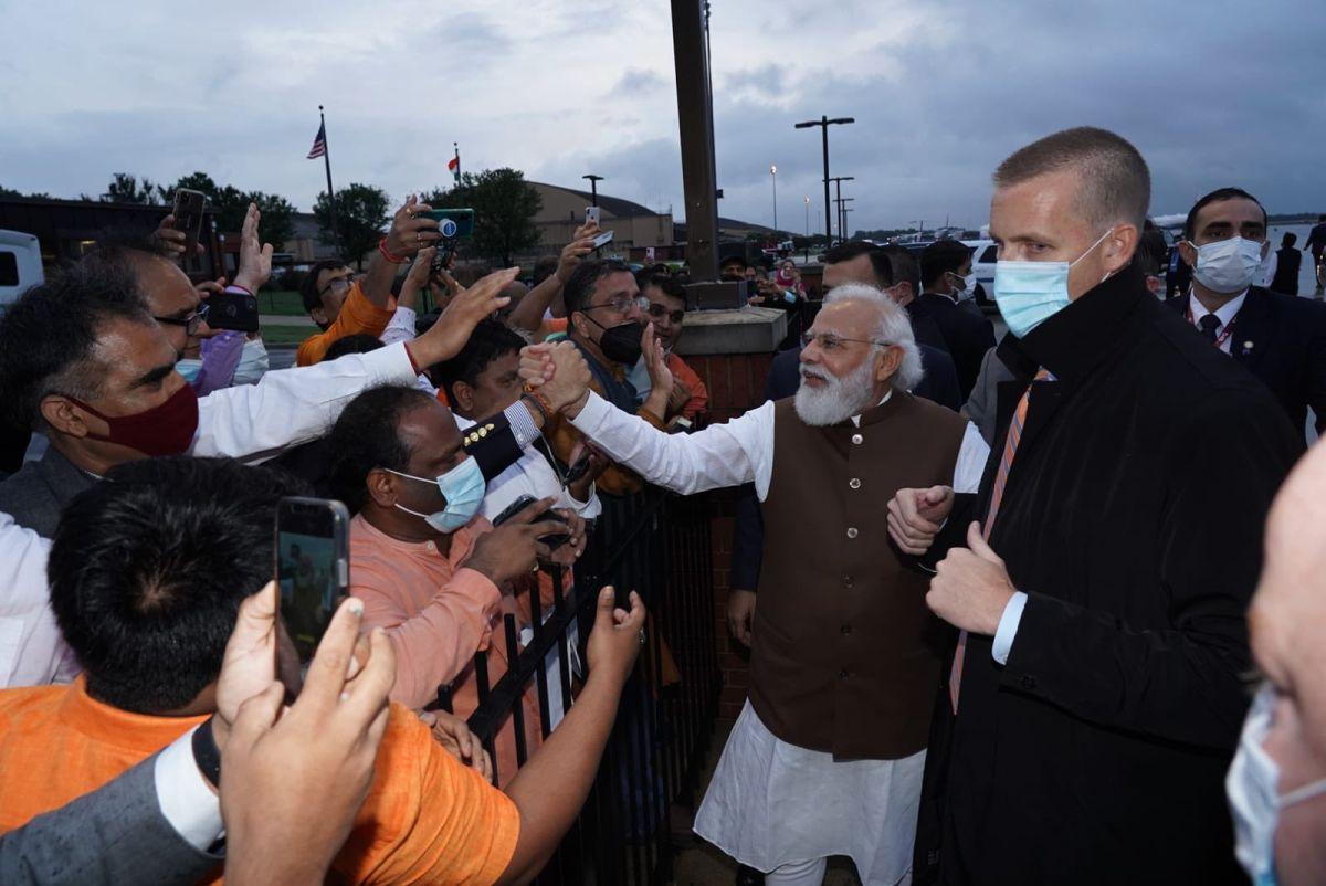 Indian diaspora turns up in numbers to greet Modi