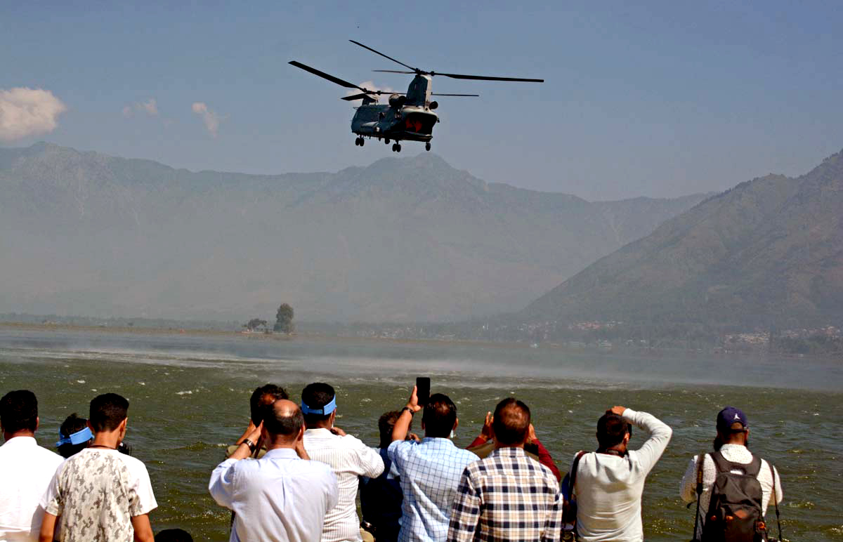 PIX: IAF air show is back in Srinagar after 14 years
