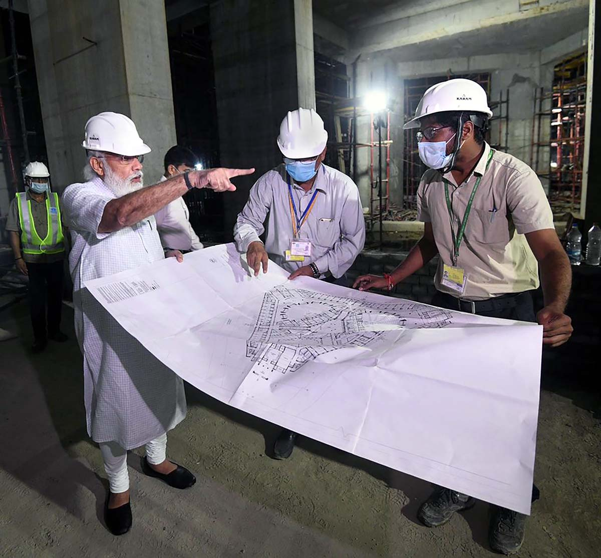PHOTOS: PM inspects work on new Parliament building