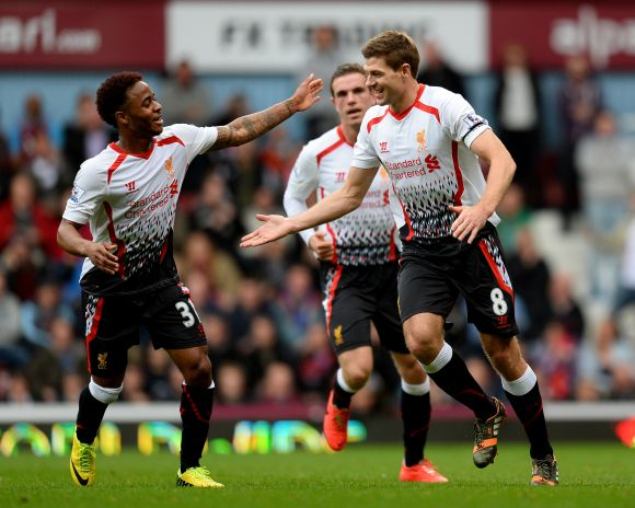PHOTOS: Liverpool back on top as Everton push on for top four
