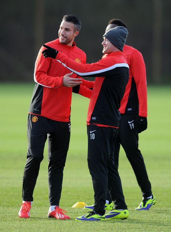 Rooney, Van Persie to miss Chelsea game