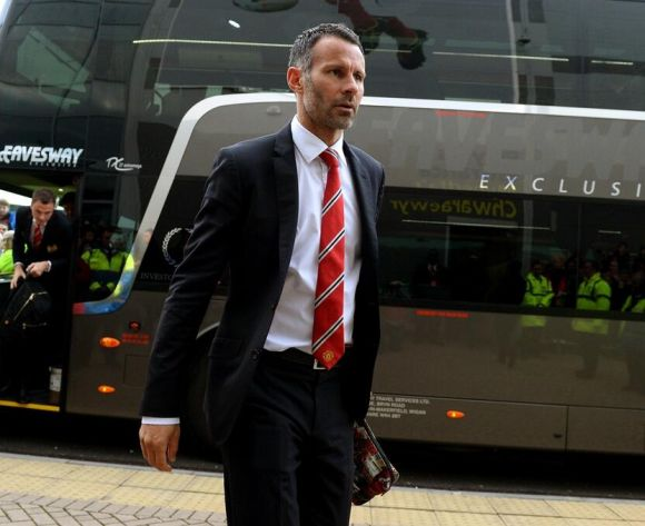 Proud Giggs wants United to play with passion and tempo
