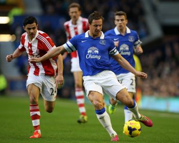 Injury rules Jagielka out for England and Everton