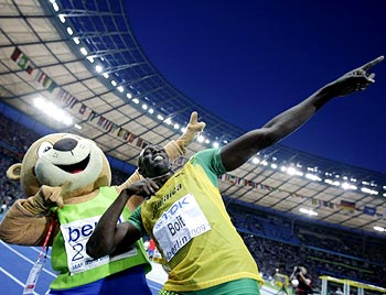 Bolt sets sight on relay gold