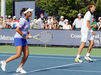 Sania Mirza and Daniel Nestor