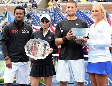 Mixed doubles champions Gullickson-Parrott and runners-up Paes-Black