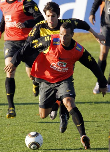 Luis Fabiano and Kaka during a practice session