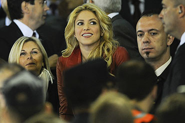 Shakira (centre) sits in the stands during the Copa del Rey Final between Real Madrid and Barcelona on Wednesday