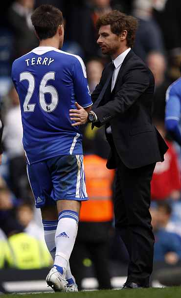 Andr  Villas-Voas and John Terry