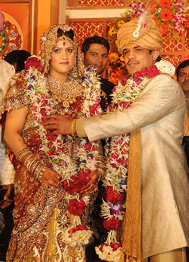Sushil Kumar with bride Savi