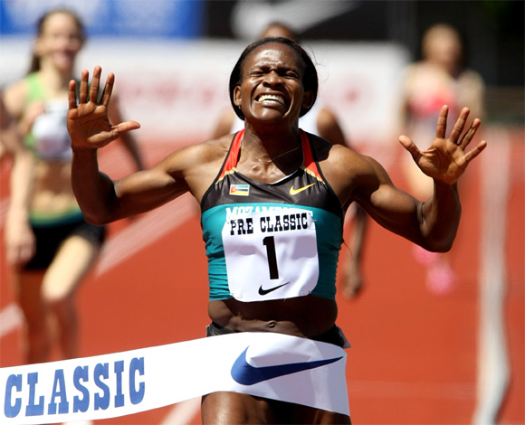 Maria Mutola of Mozambique wins the 800 meter race