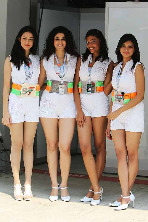 The grid girls at Indian Grand Prix