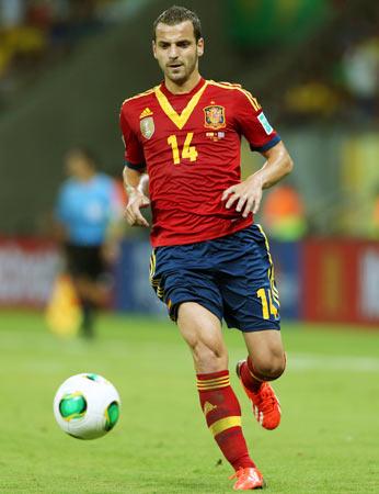 Spurs pay 30 million euros for Valencia's Soldado