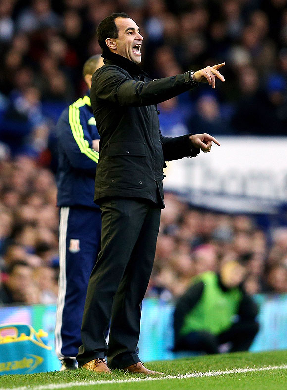 Wenger's moans are a compliment, says Everton's Martinez