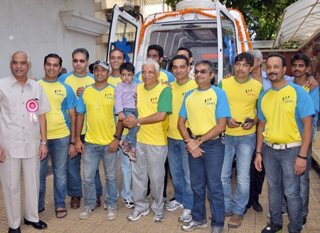 Cardio Ambulance donated by the Shivaji Park Marathon club to Shushrusha hospital