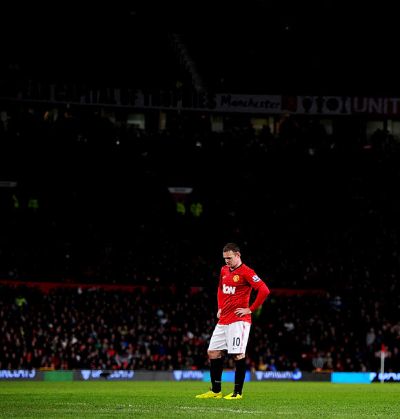 Rooney takes centre stage in transfer hysteria