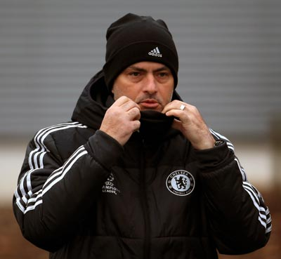 Chelsea manager Mourinho can't wait to get claws into Christmas